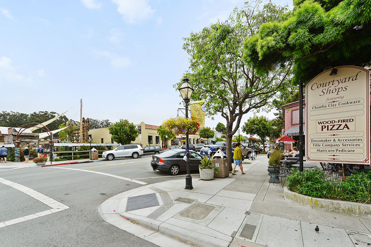 Half Moon Bay Main Street